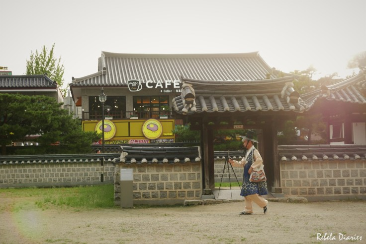 Jeonju Hanok Village traditional wear