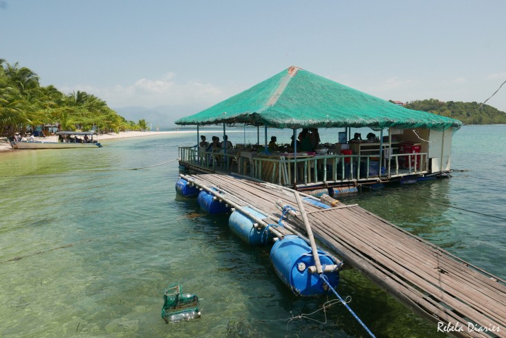 Floating restaurant in Magalawa